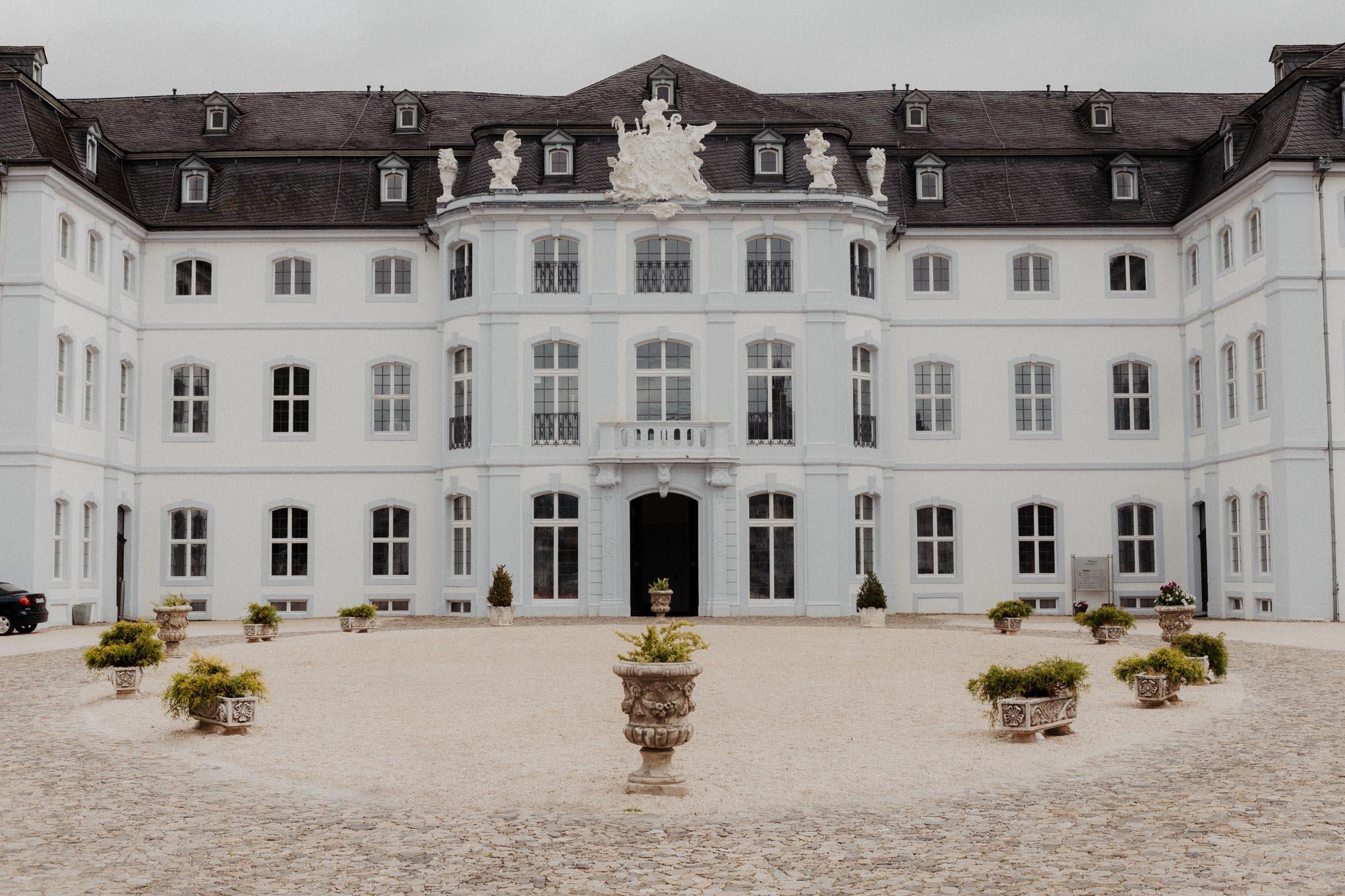 Eingangsbereich im Schloss Engers