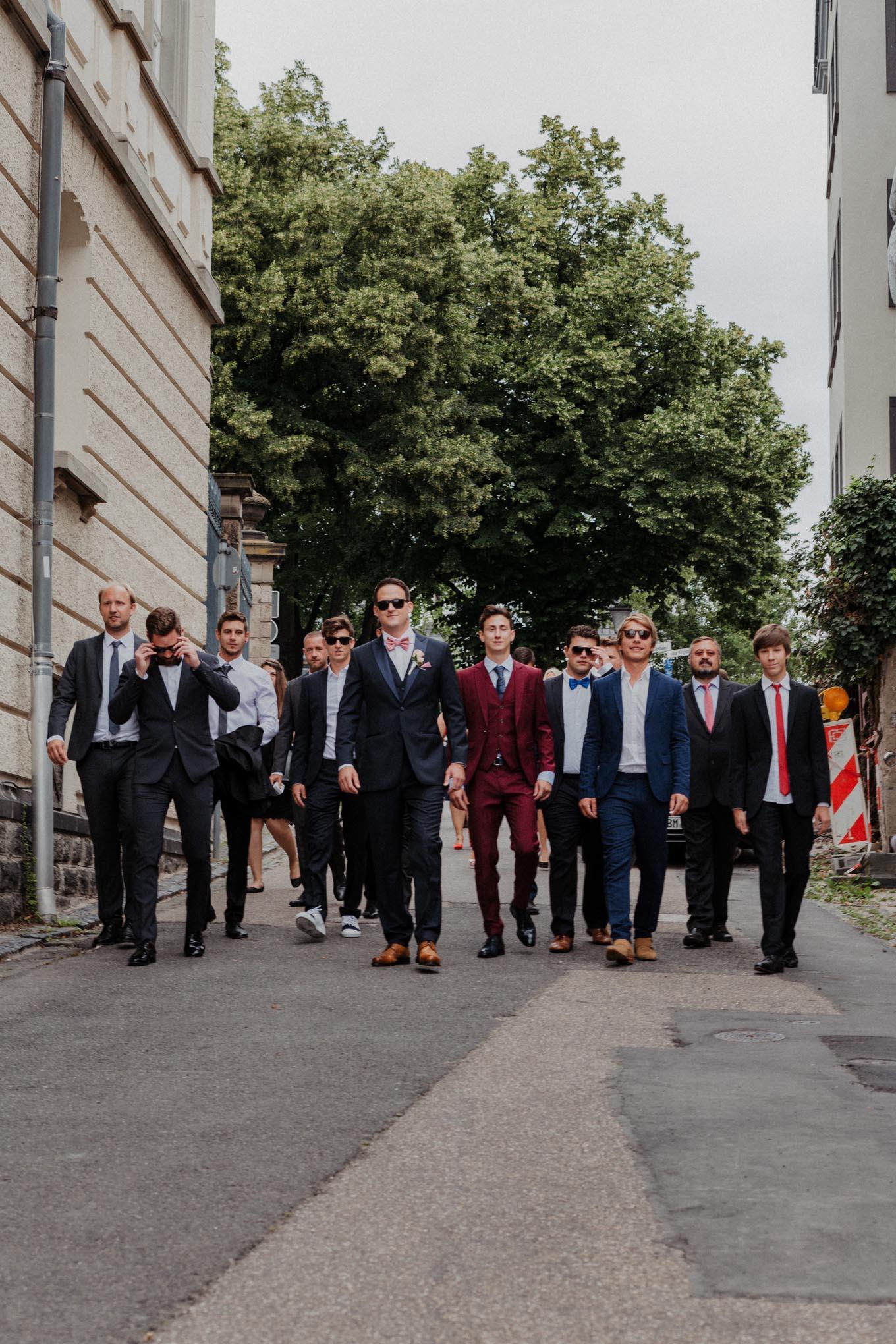 Bräutigam und seine Freunde