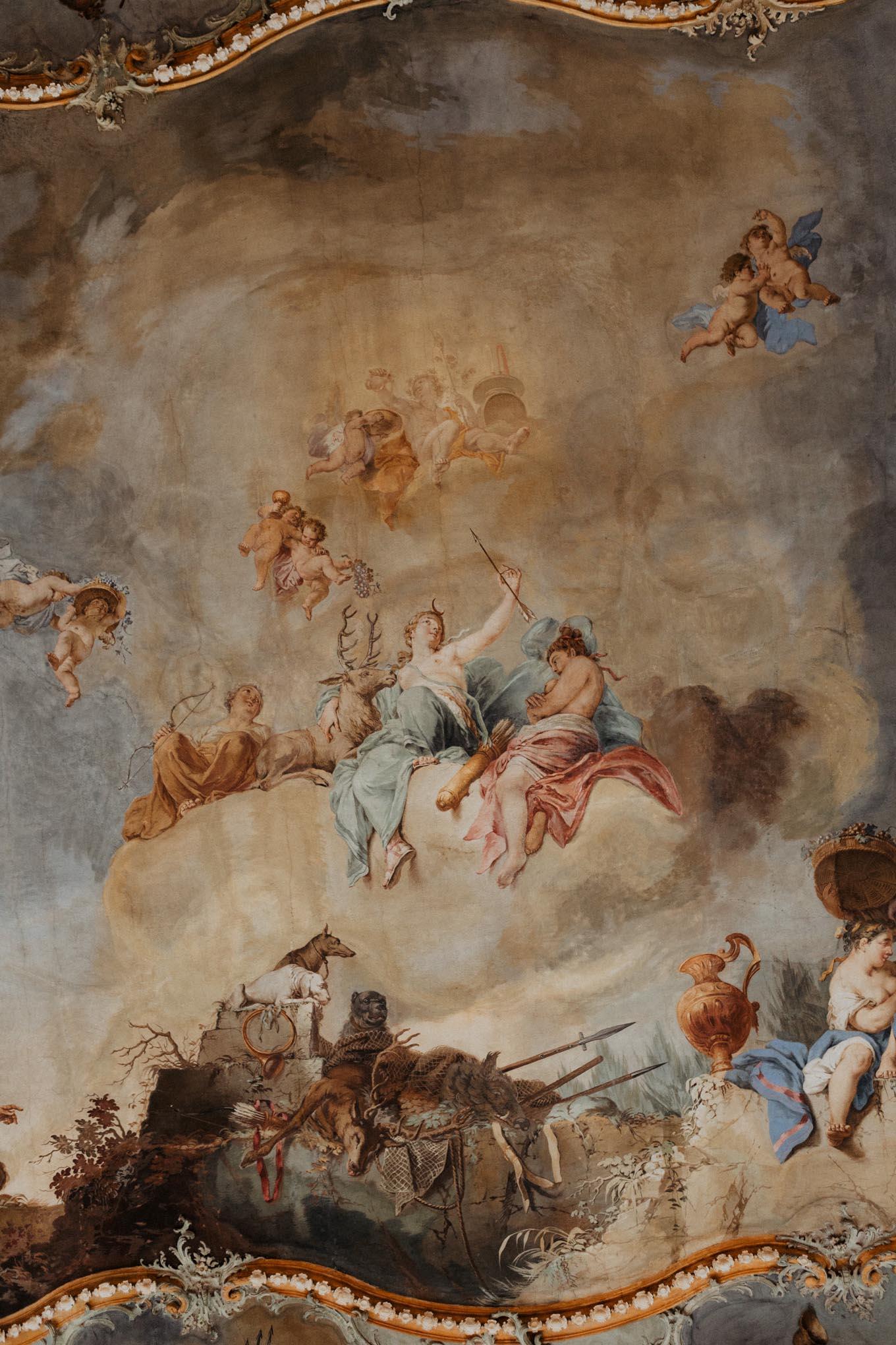 Decke mit Gemälde auf Schloss Engers