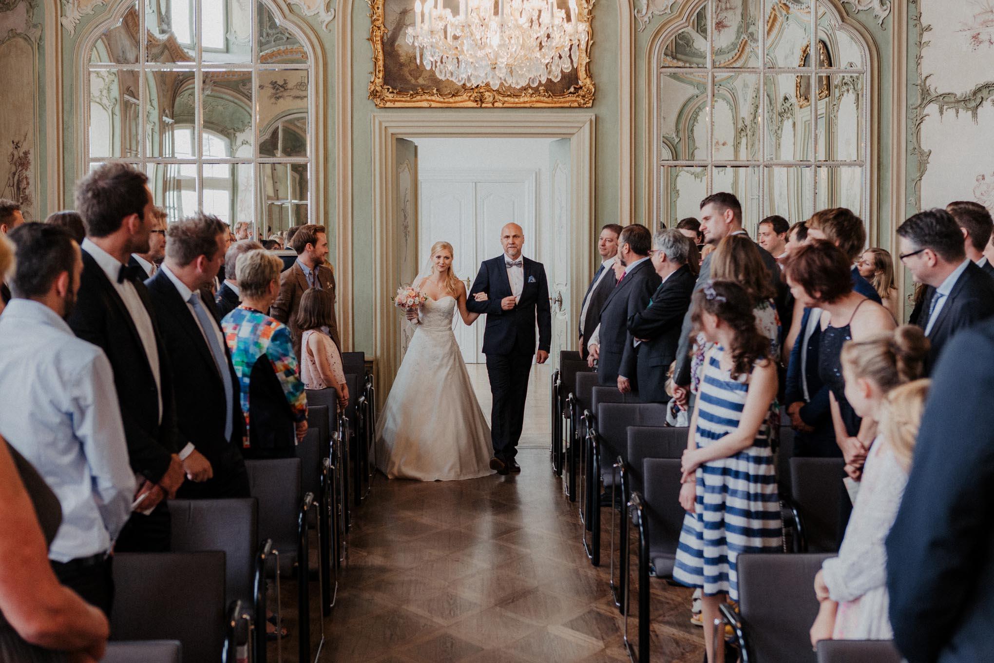 Einzug der Braut auf Schloss Engers