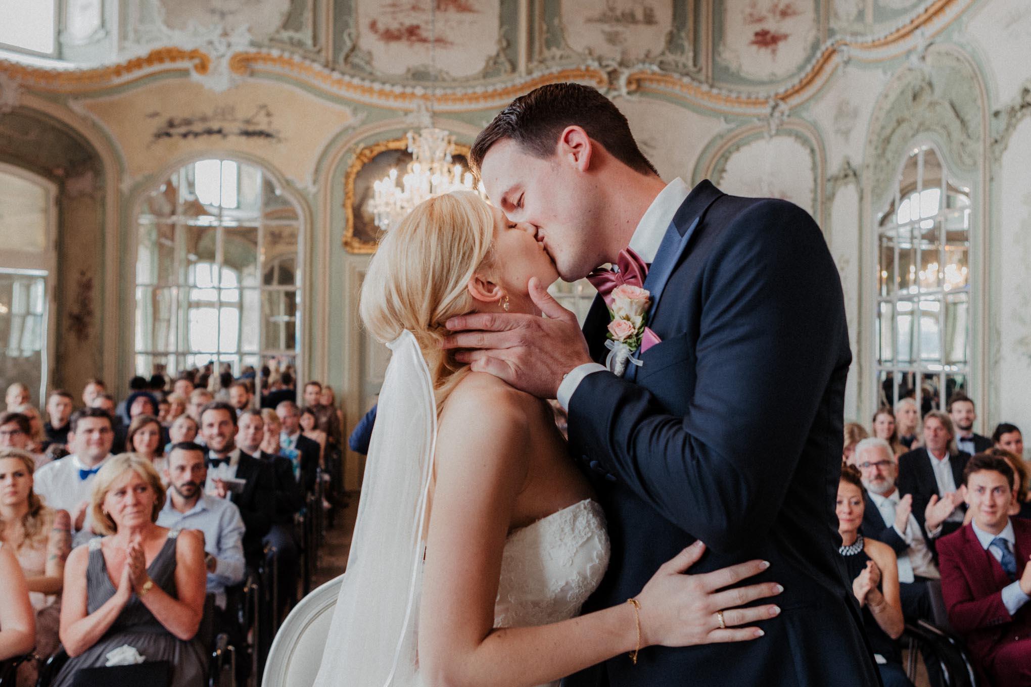 Brautpaar auf Schloss Engers