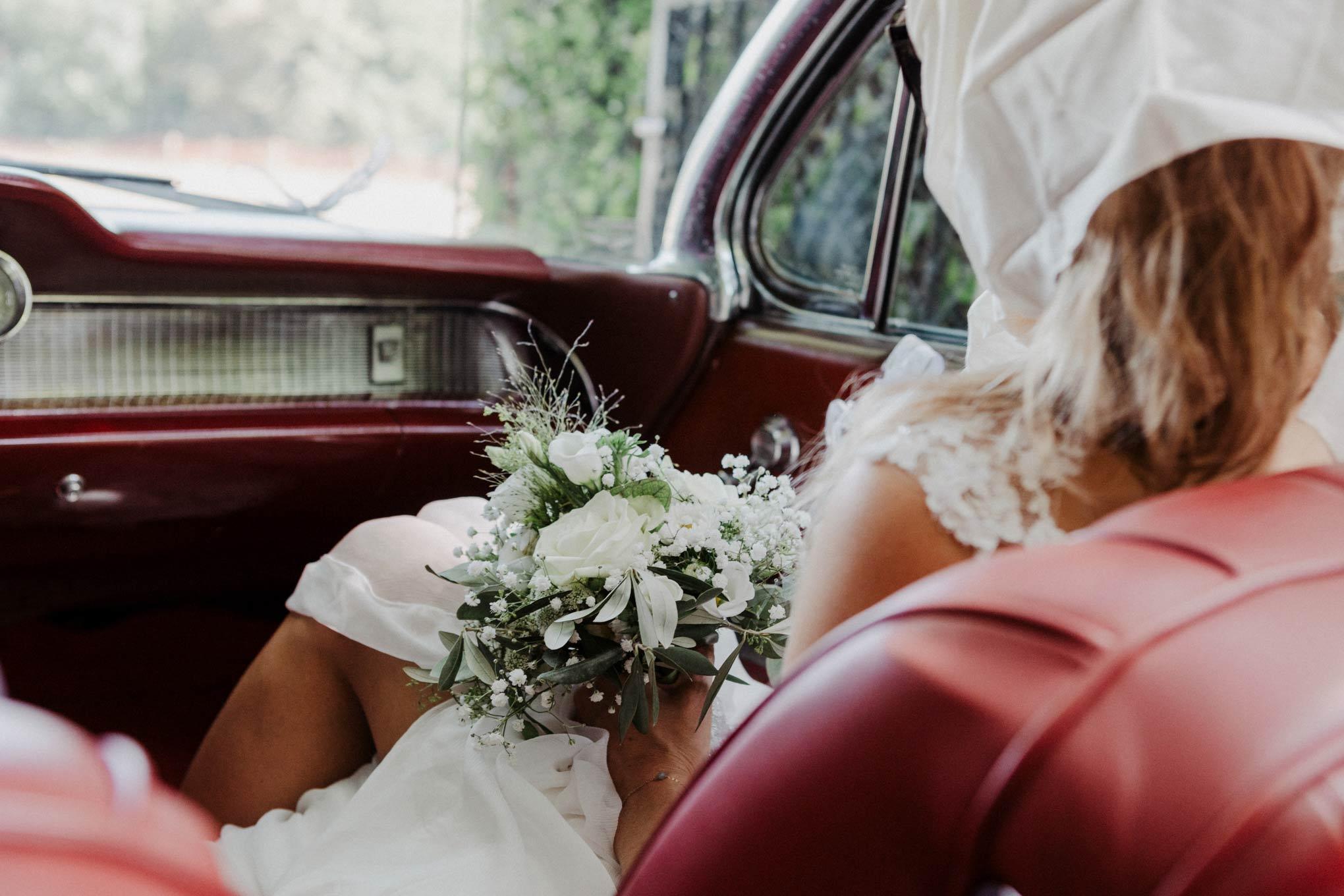 Braut im Caddilac