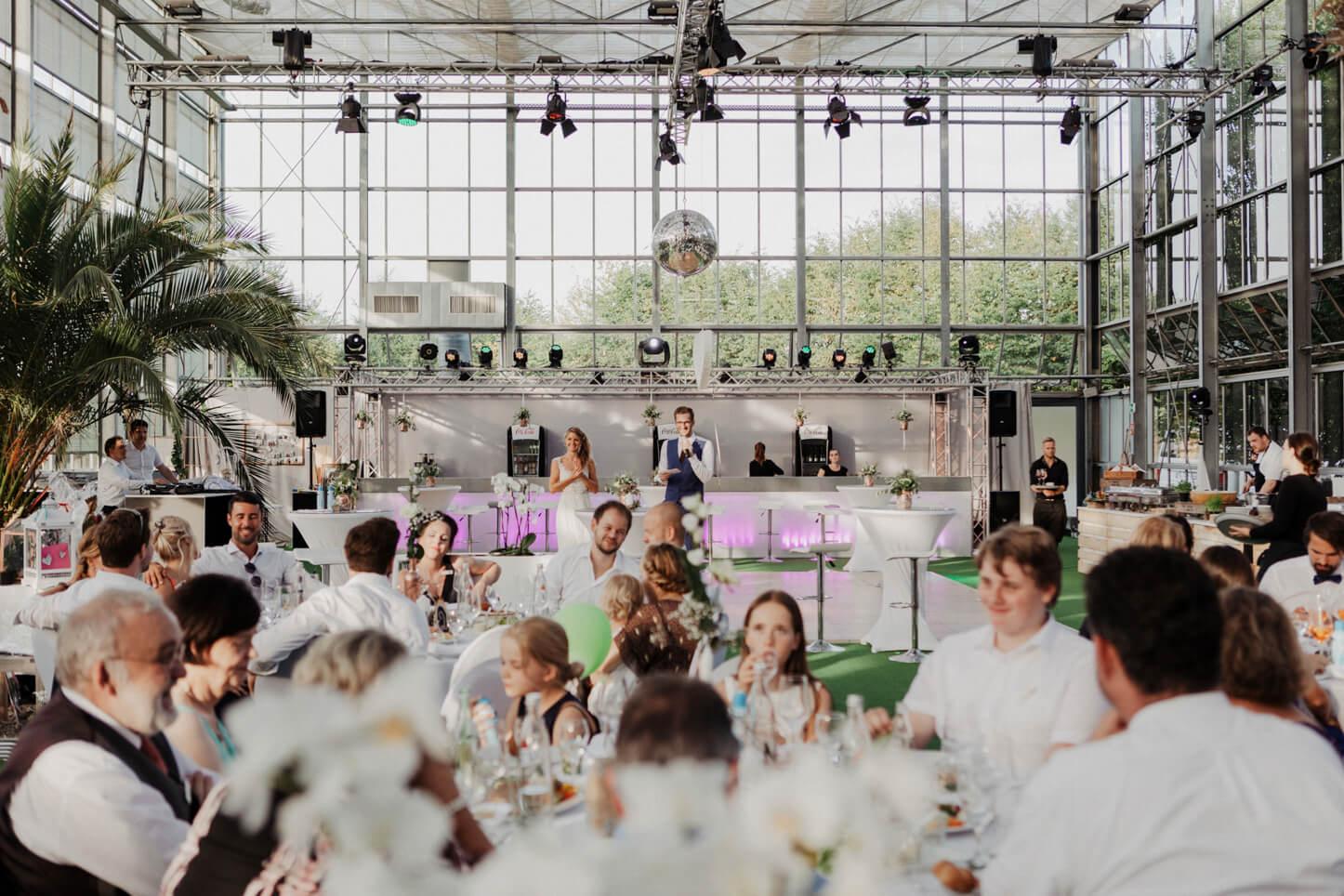 Hochzeitsgesellschaft im Golfclub der Lüderich