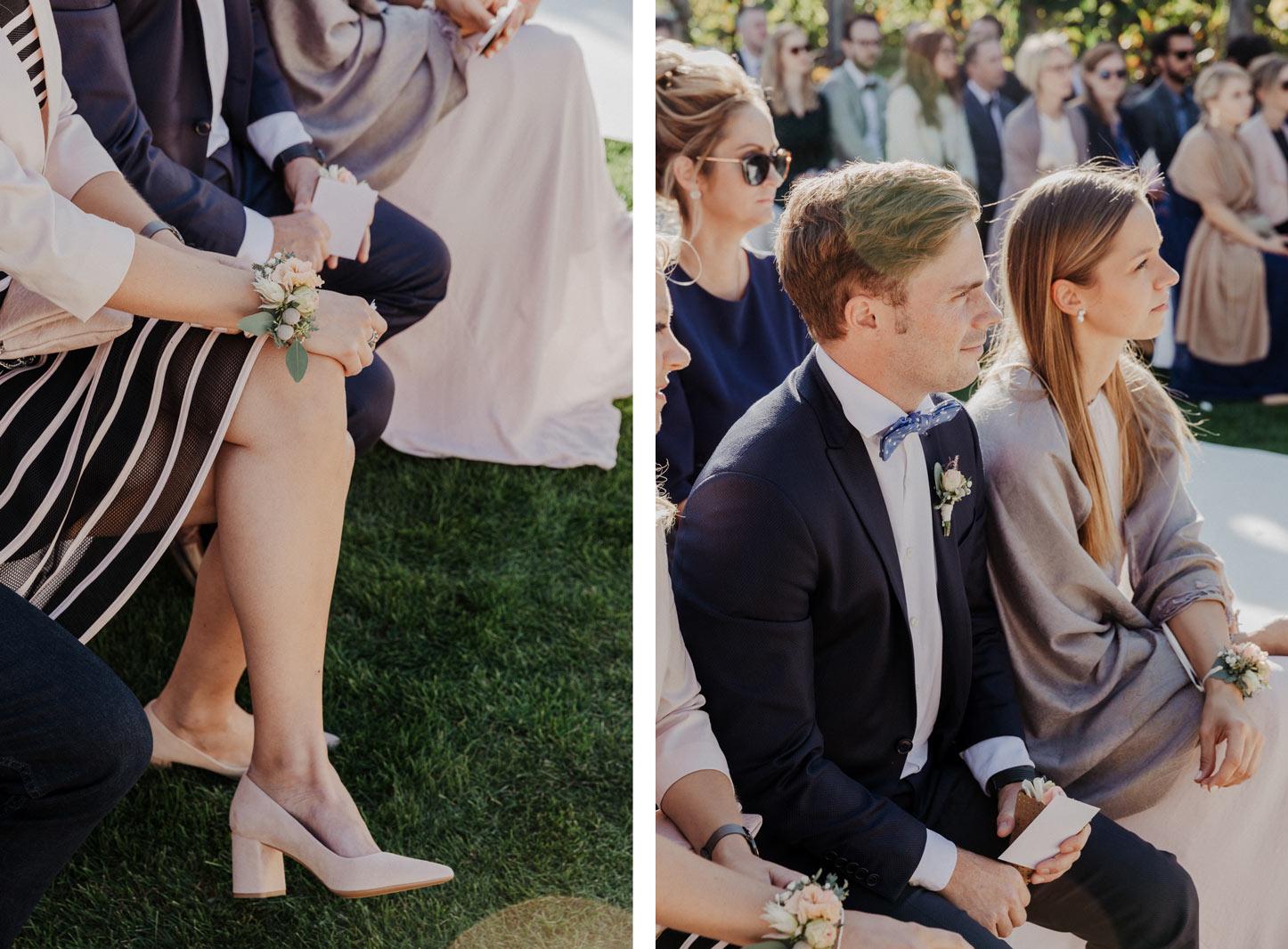 Hochzeitsgäste auf einer freien Trauung