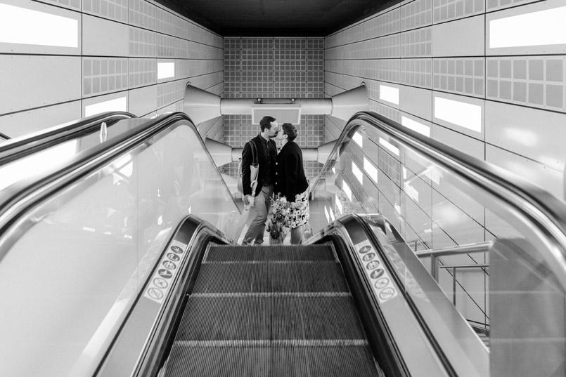 Paarshooting auf Rolltreppe in der U Bahn Station