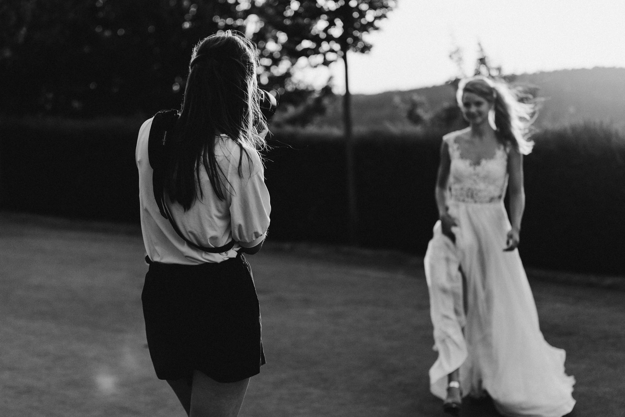 Hochzeitsfotografin aus Köln fotografiert Braut