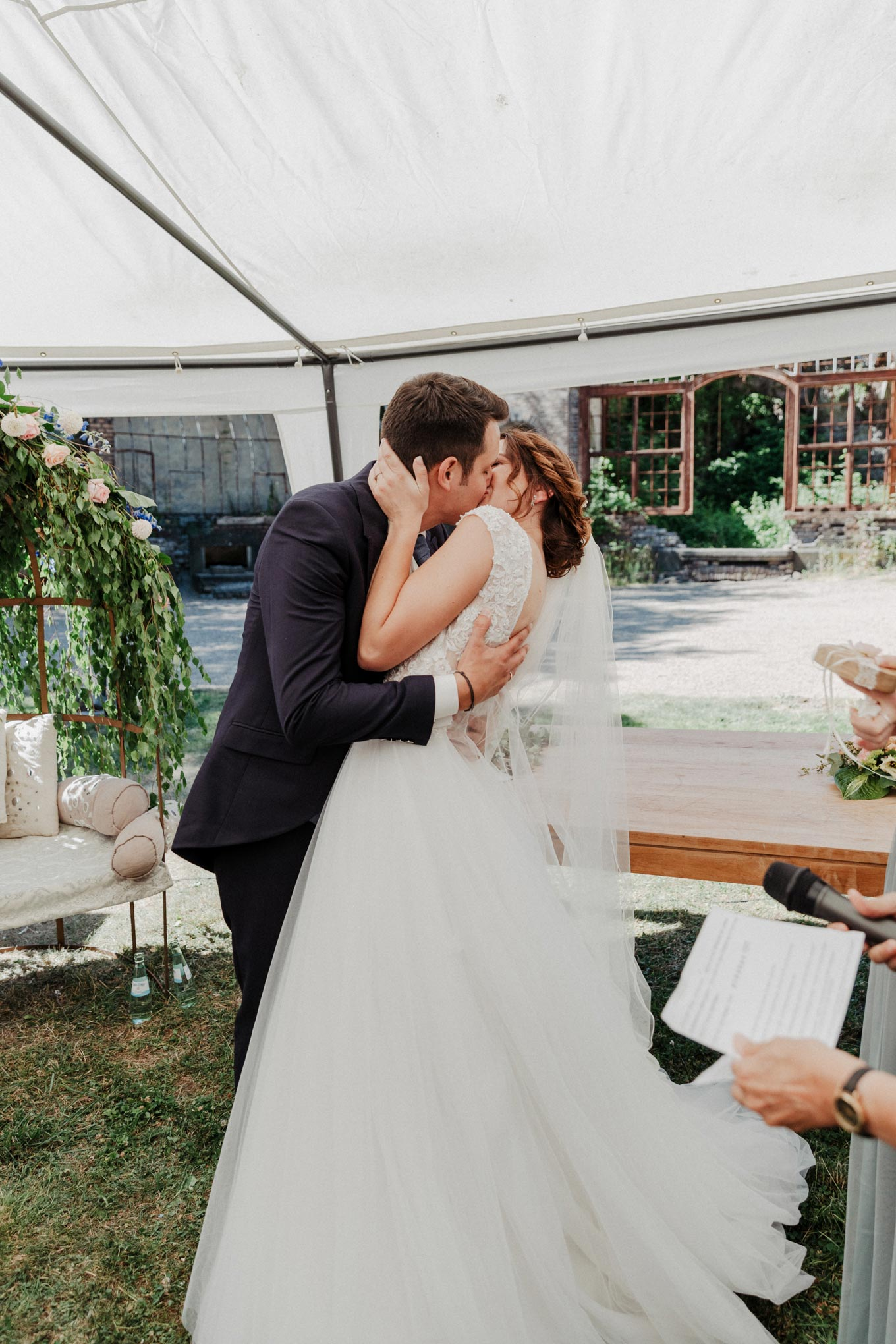 Brautpaar Kuss
