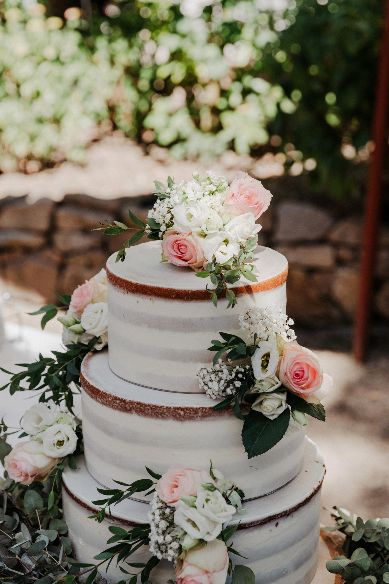 Naced Cake Hochzeitstorte mit Blumen