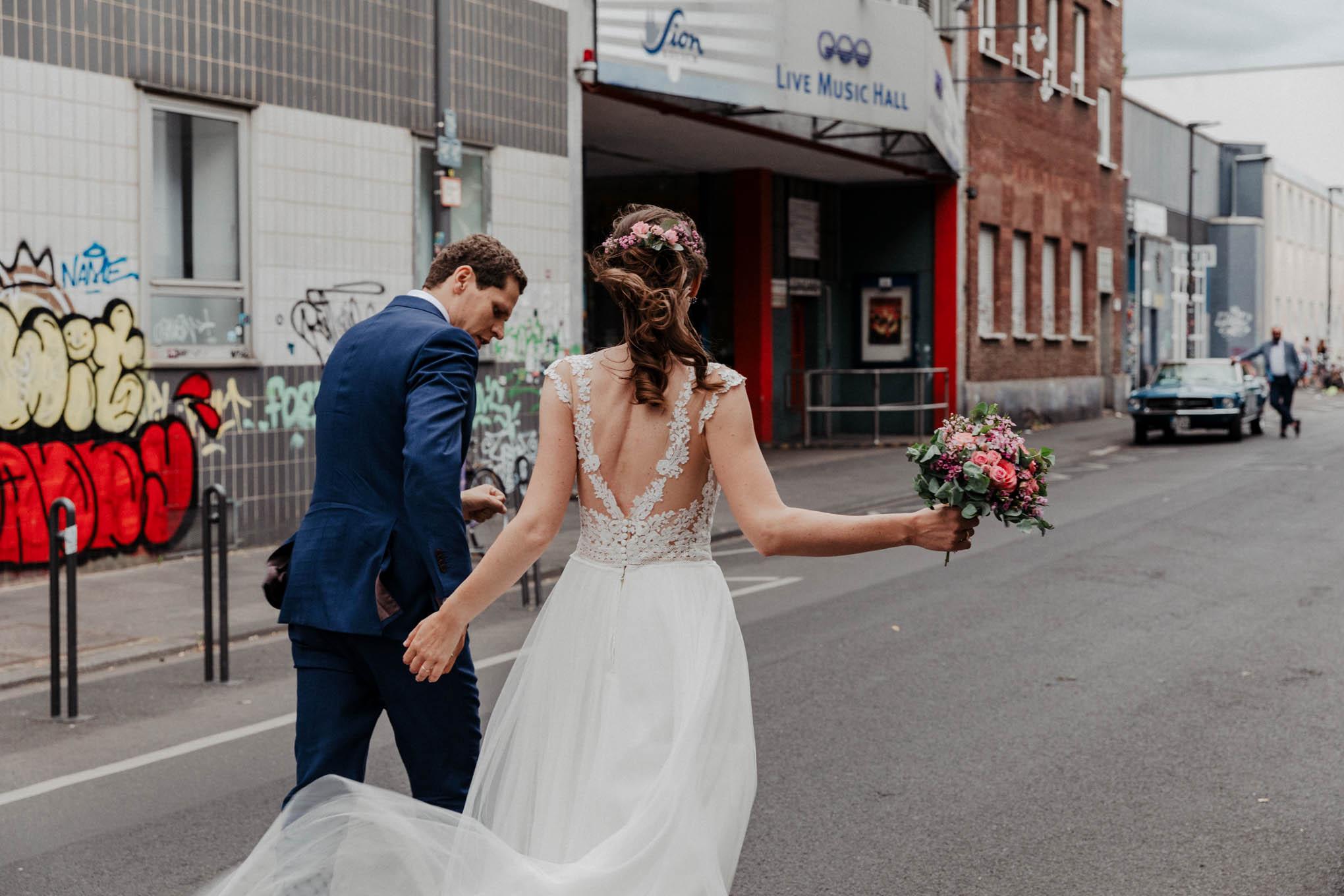 Urbanes Hochzeitsfoto in Köln Ehrenfeld