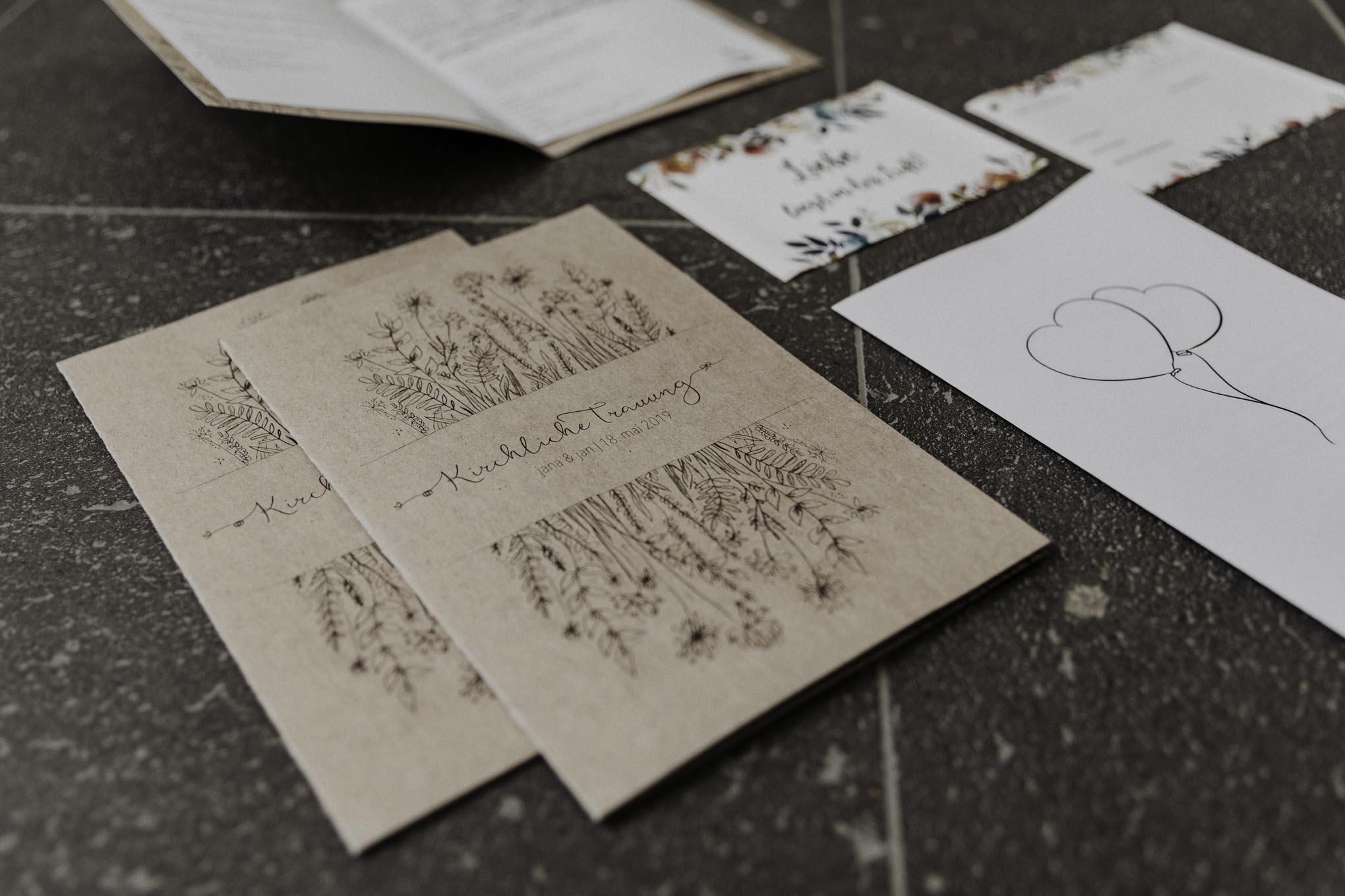 Hochzeitspapeterie aus Naturpapier