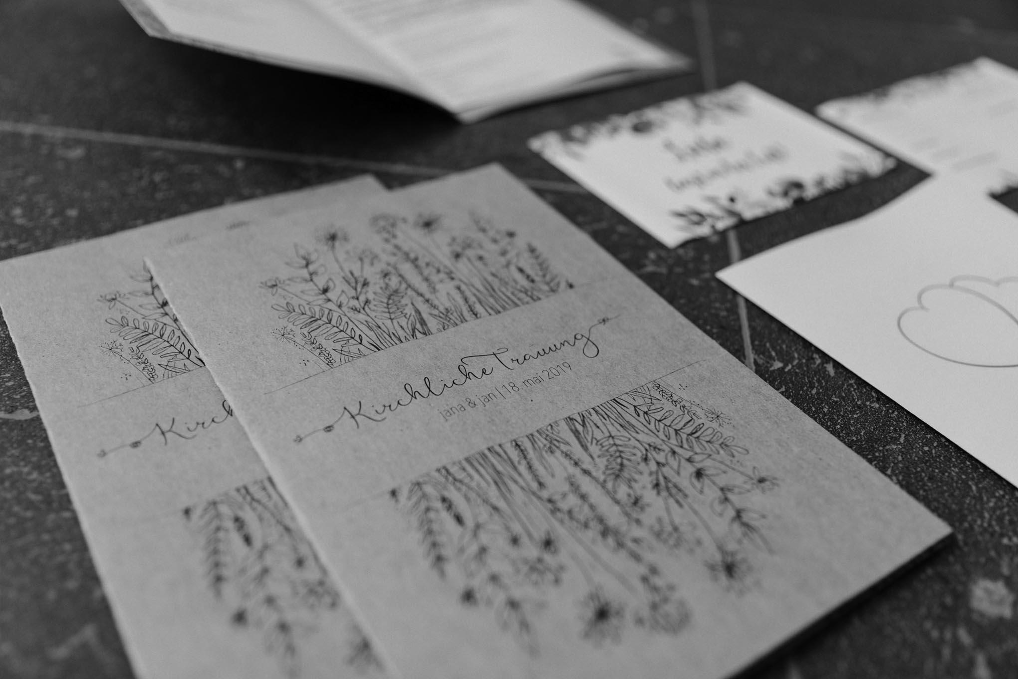 Hochzeitspapeterie mit floralen Illuastrationen