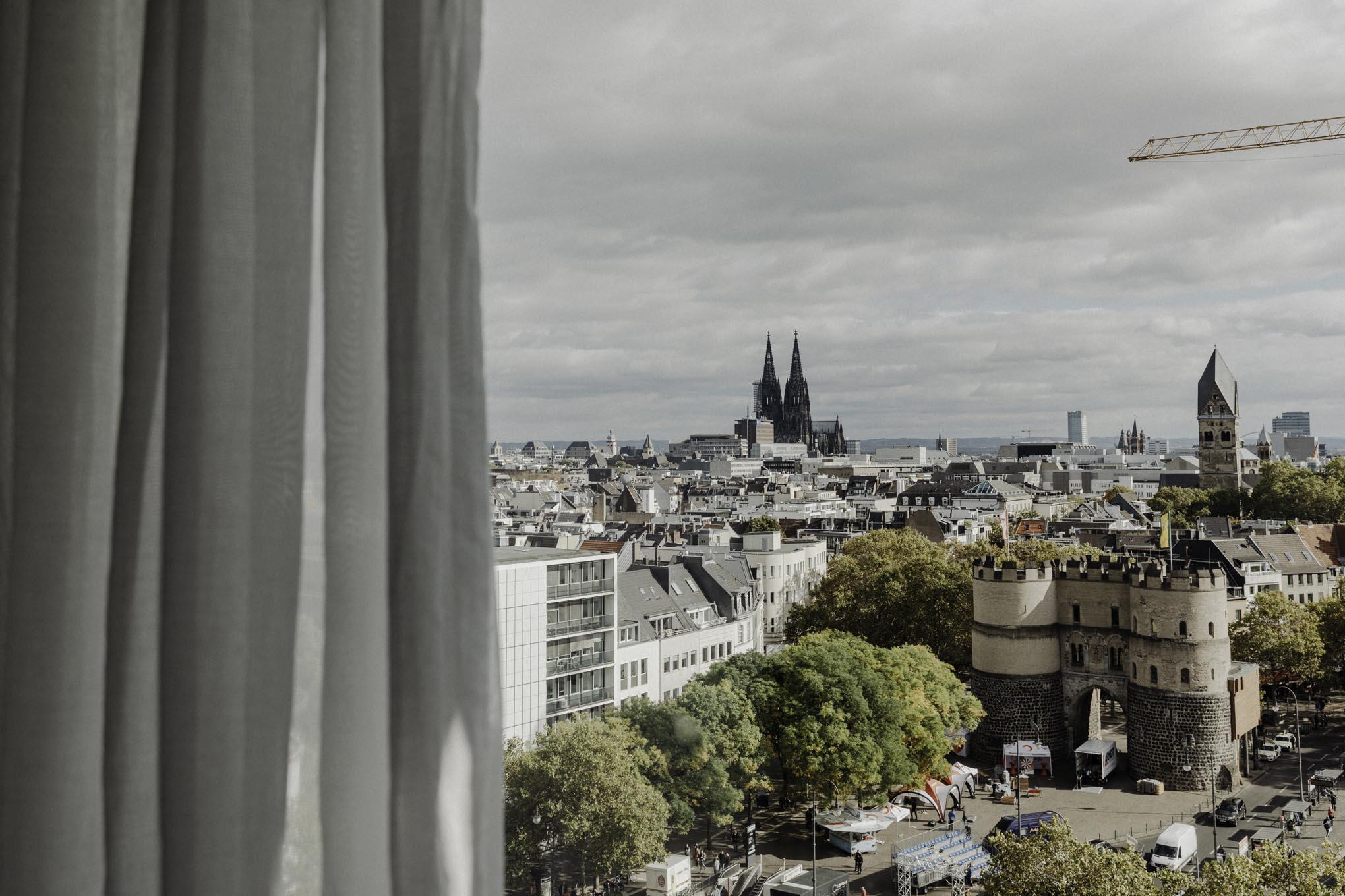 Aussicht auf den Kölner Dom vom Steigenberger Hotel