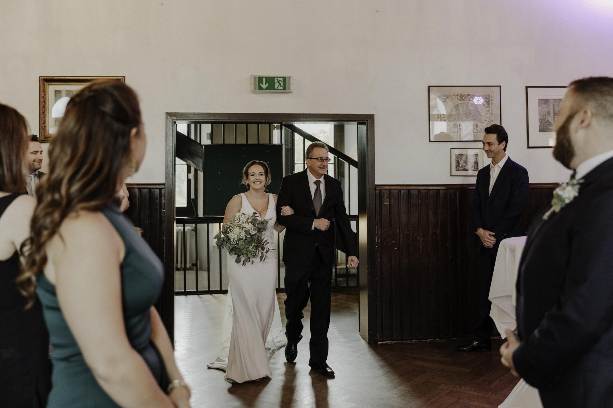 Braut mit Brautvater in der Severinstorburg