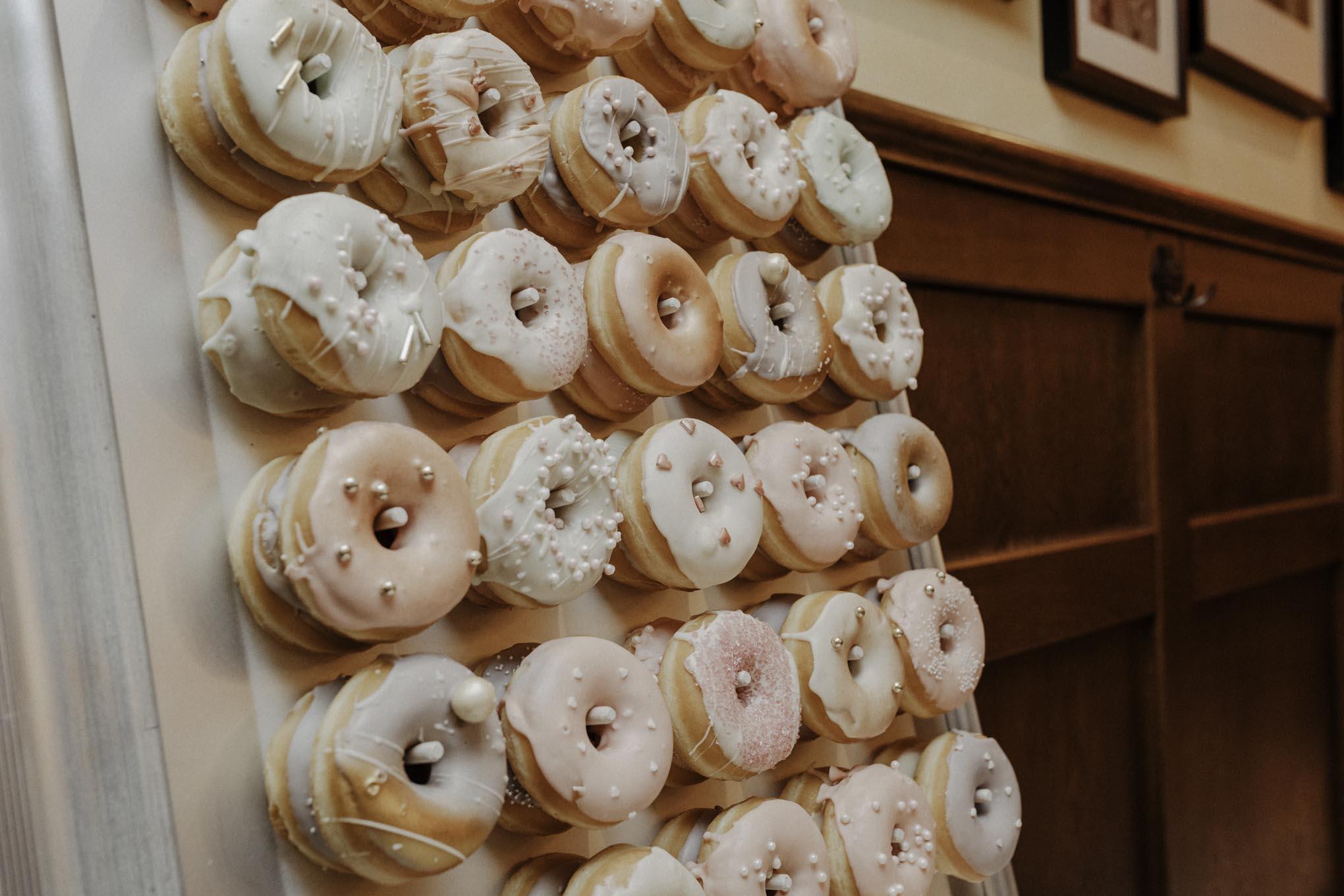 Donutwand zur Hochzeit