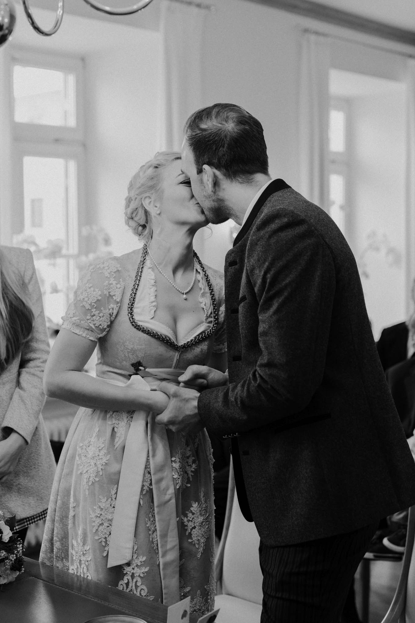 Bayerische Hochzeit im Standesamt Tegernsee