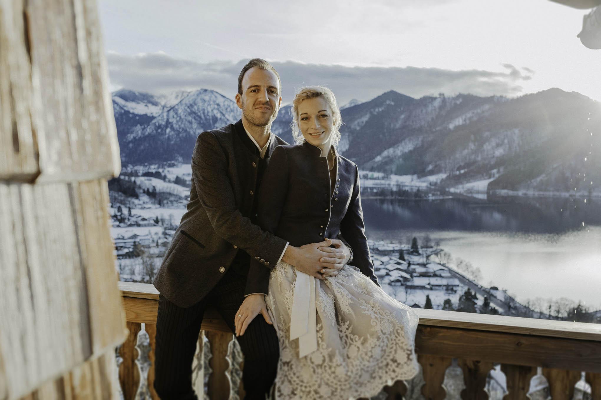 Brautpaar im Winter am Tegernsee