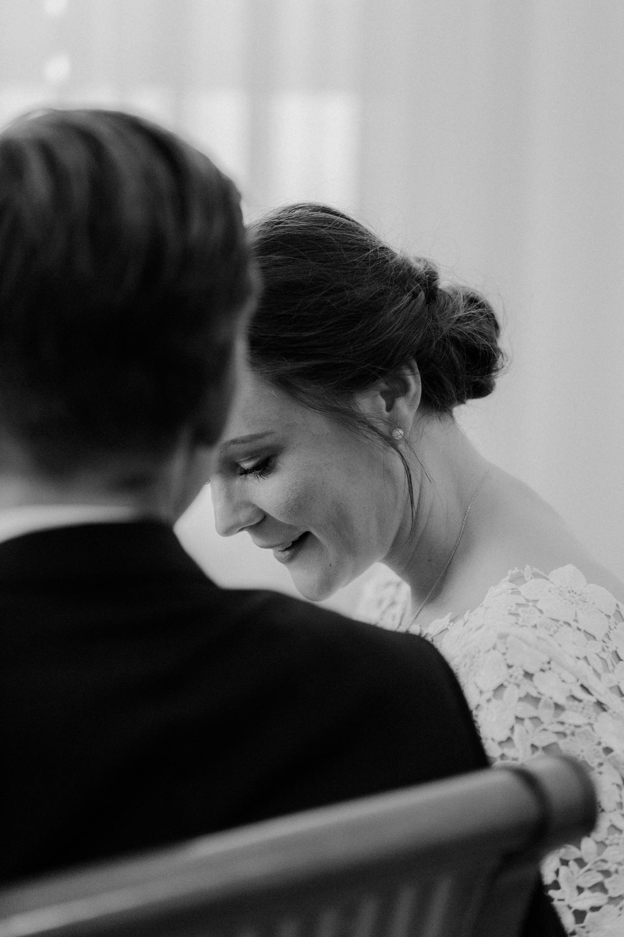 Brautfoto in schwarz weiß