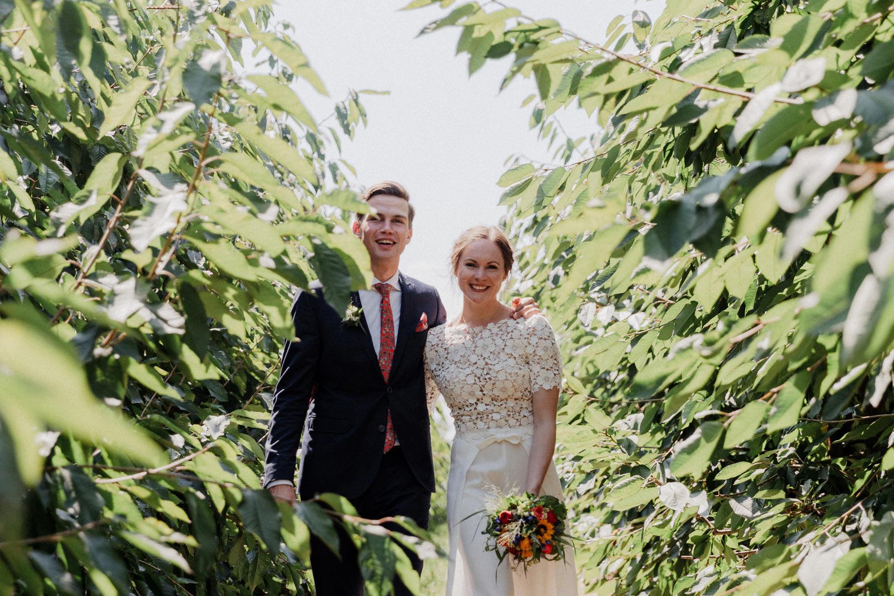 Hochzeitsfoto auf dem Hof