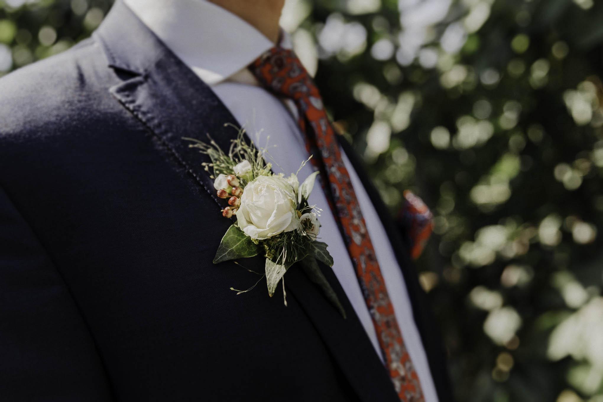 Ansteckblumen zur Hochzeit