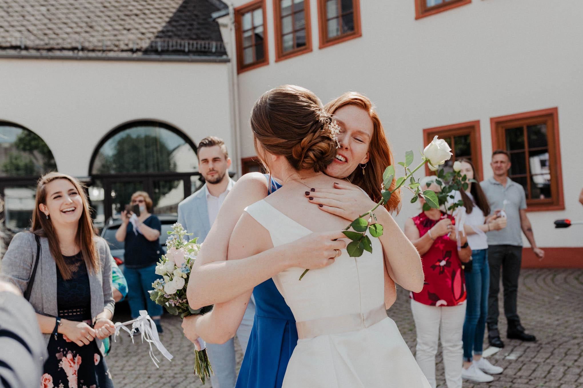 Gratulation nach der Hochzeit