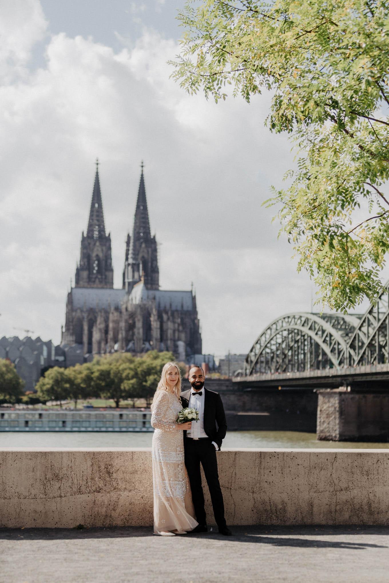 Brautpaarfoto mit Kölner Dom