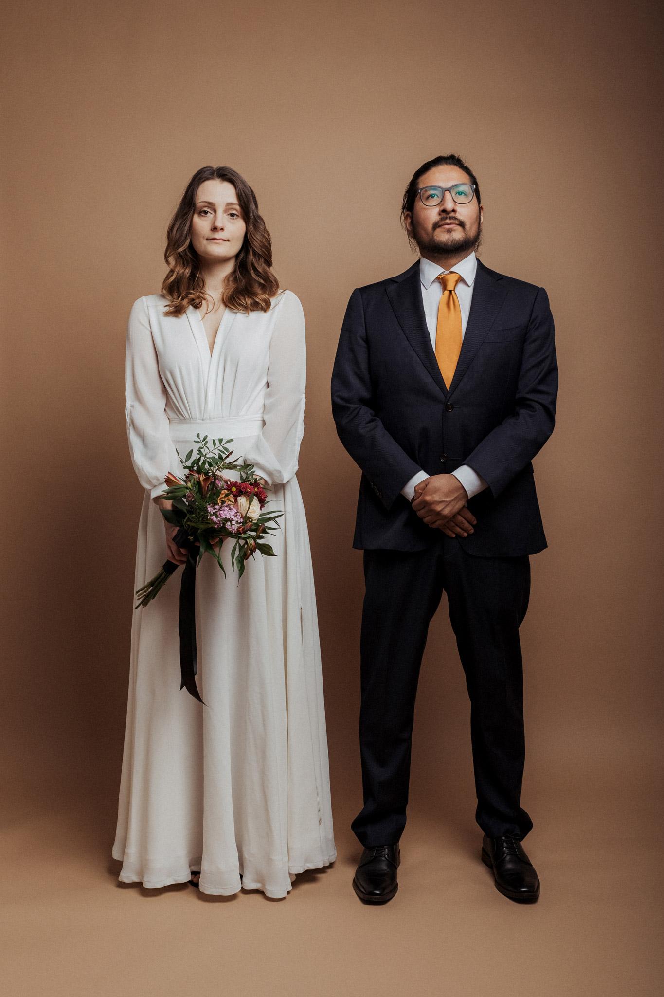 Hochzeitsfoto mit Brautpaar im Studio