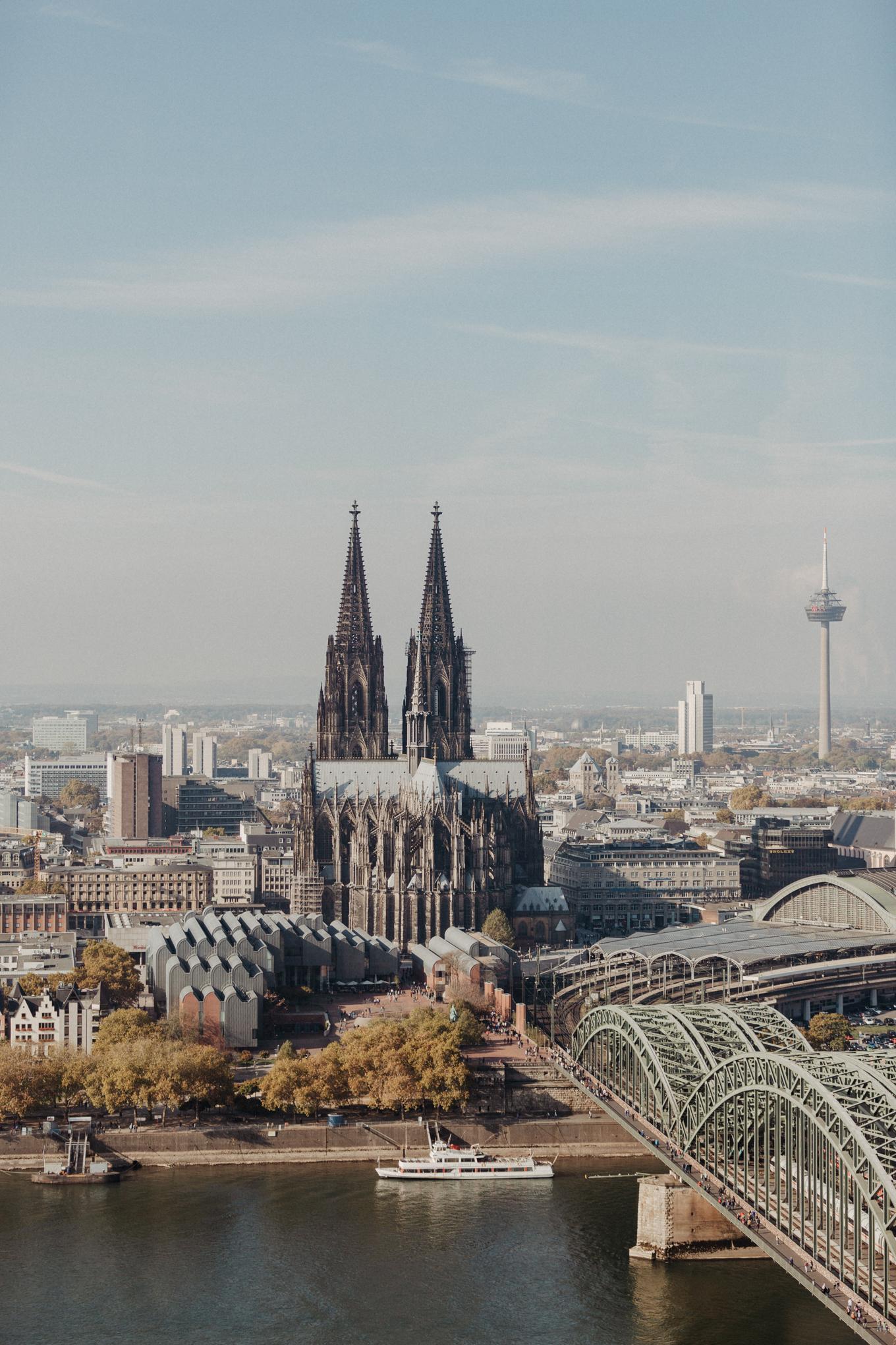 Blick vom Köln Sky auf den Dom